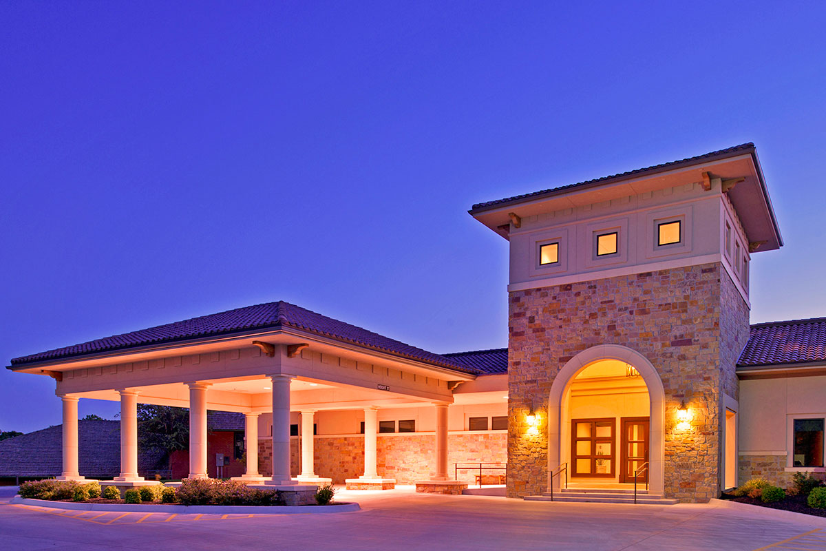 Oakwood Country Club Clubhouse